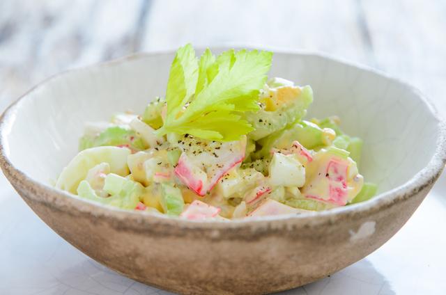 Фото к рецепту: Легкий крабовый салат