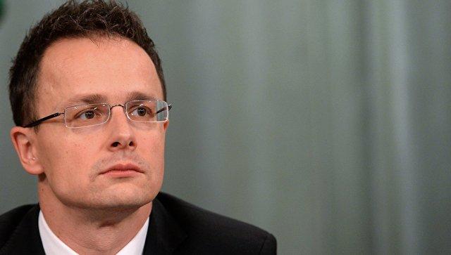 """Глава МИД Венгрии обвинил Украину в нанесении """"ударов в спину"""" Европе"""