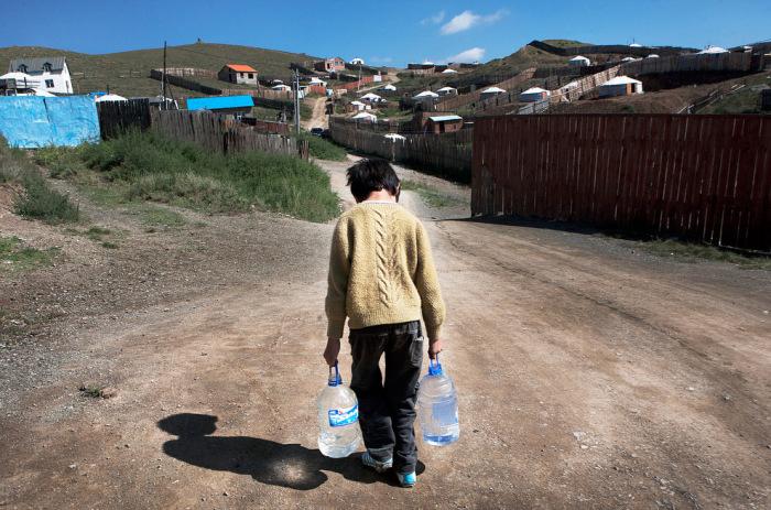 Последние из кочевников: 20 фотографий о суровом быте в современной Монголии