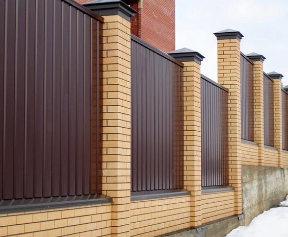 Дачные заборы - функциональность и украшение участка