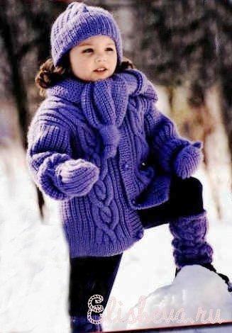 Комплект для девочки (жакет, шапочка, гетры, варежки и шарф) вязаный спицами