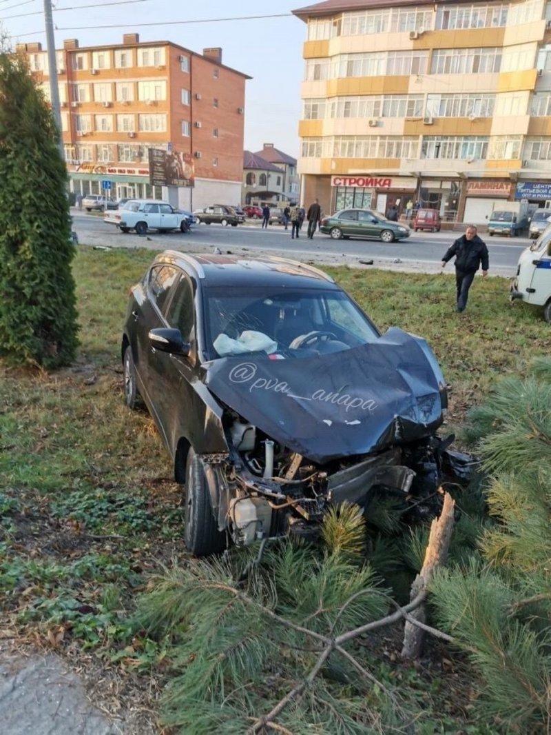 """Авария дня. Дорожный """"учитель"""" спровоцировал серьезное ДТП в Анапе"""