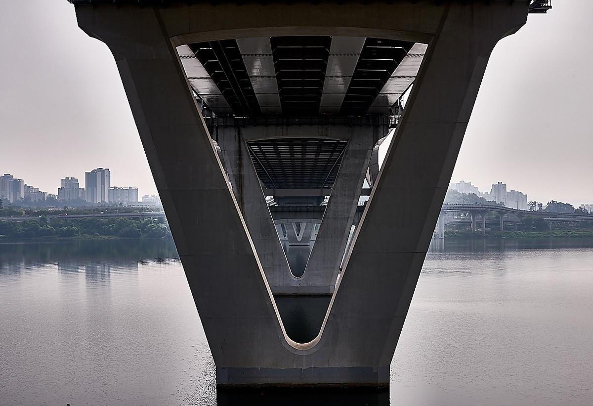 «Сеульские мосты» почти как оптические иллюзии
