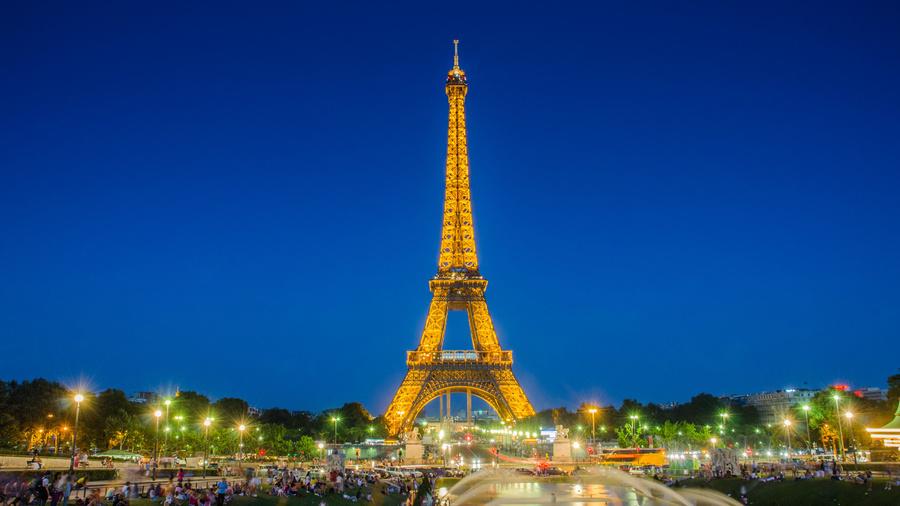 Что удивительного в Эйфелевой башне?