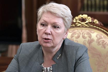 7 тысяч за январь-это нормально,вы же отдыхали: Васильева нашла объяснение учительской зарплате