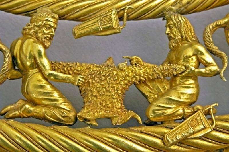 В США хотят отдать золото ск…