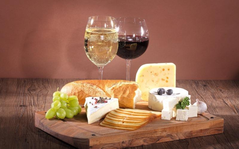 Под бой курантов: чем лучше всего закусывать шампанское вкусные новости,закуски,напитки алкогольные