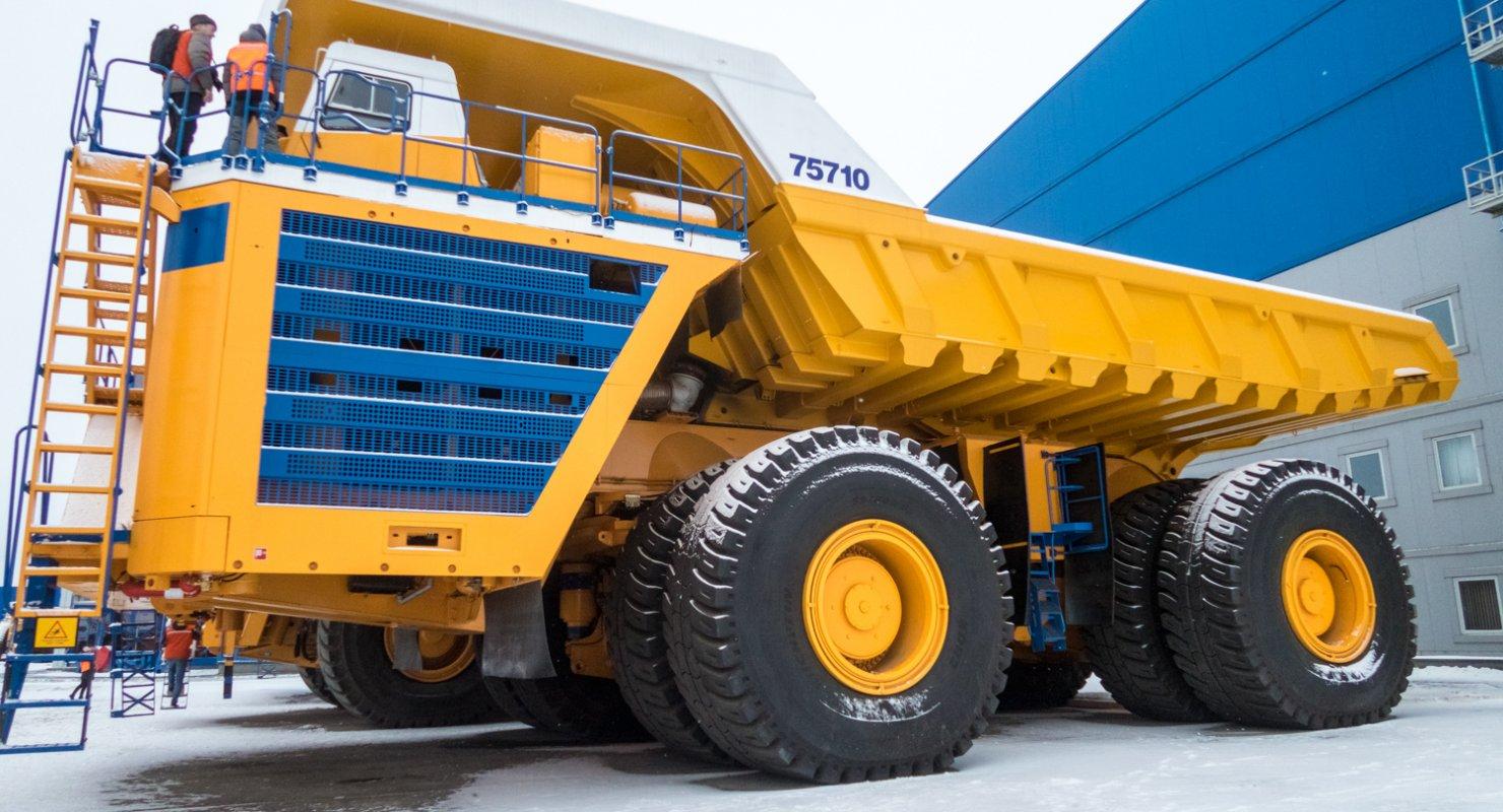 БелАЗ-75710 — самый крупный грузовой автомобиль в мире Автомобили