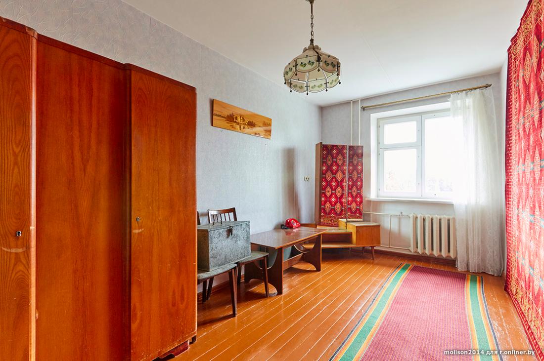 Назад в СССР: за  500 в Минске продают квартиру, удивительным образом сохранившую атмосферу 1970-х вторичное жилье