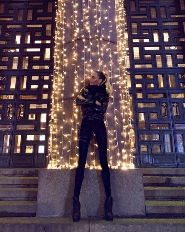 Женщины ей завидуют, а мужчины пускают слюни: шведская фитнес-модель своими ногами покоряет Инстаграм