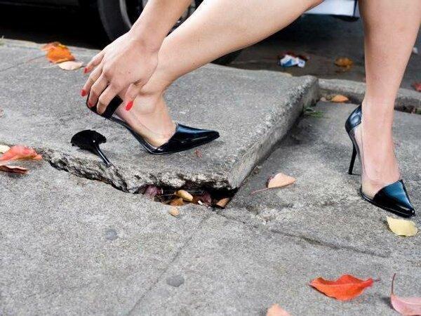 10 смешных девушек, которые столкнулись с феерическими неудачами!