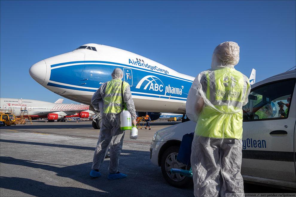 Как дезинфицируют Боинг-747