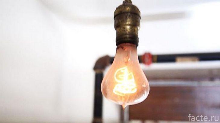 Столетняя лампочка