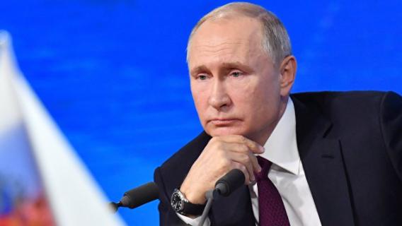Дмитрий Орешкин: Путин не может уйти из власти по нескольким причинам Политика