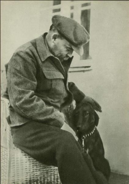 Ленин, Сталин, Брежнев: редкие снимки первых лиц страны, на которых они похожи на обычных людей