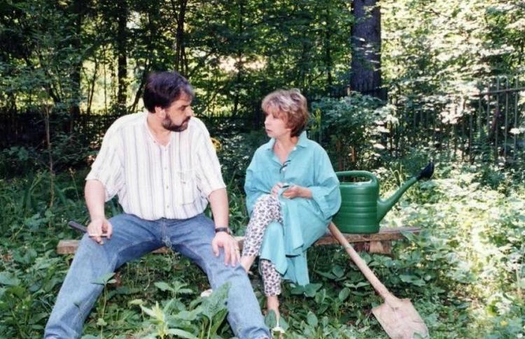 «Ей 82, а ему - 62»: как выглядит супруг Лии Ахеджаковой, за которого она вышла в 63 года