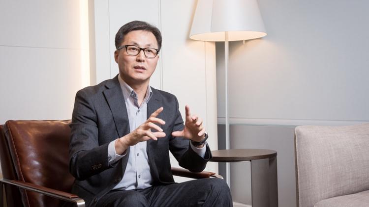 Samsung: для создания гибкого смартфона пришлось переосмыслить анатомию аппарата