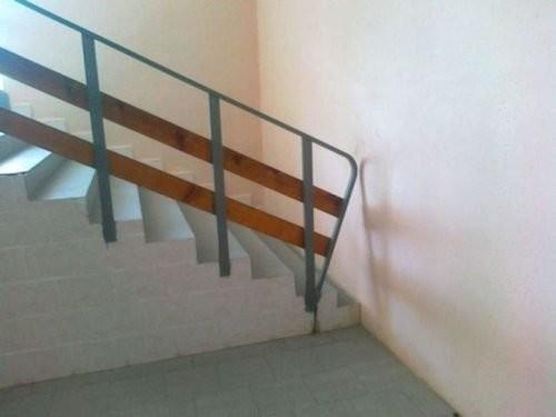 15. Лестница для спортивных горе-строители, маразмы в картинках, ремонт, юмор