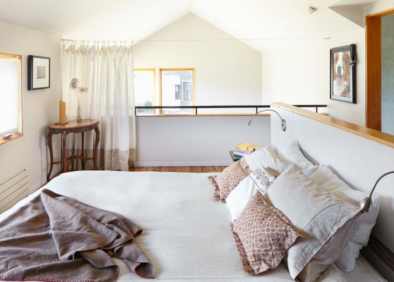 Для спальни на верхнем уровне