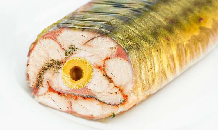 Кладем внутрь скумбрии начинку и превращаем в главный салат на новогоднем столе закуски,новогодние блюда,рыбные блюда