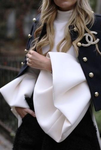 Много не бывает — подборка актуальных моделей женских блузок на весну-лето 2017