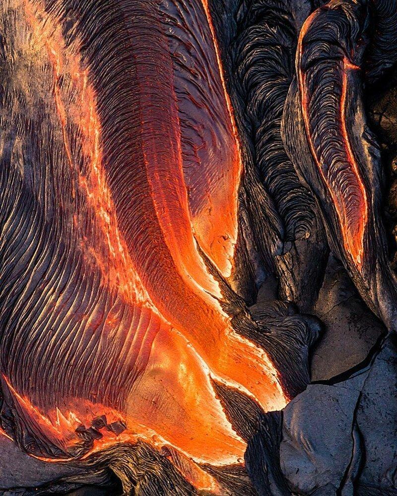 Снимок с воздуха разлива лавы вулкана Килауэа на Большом острове, Гавайи, США катаклизмы, природа, растительность