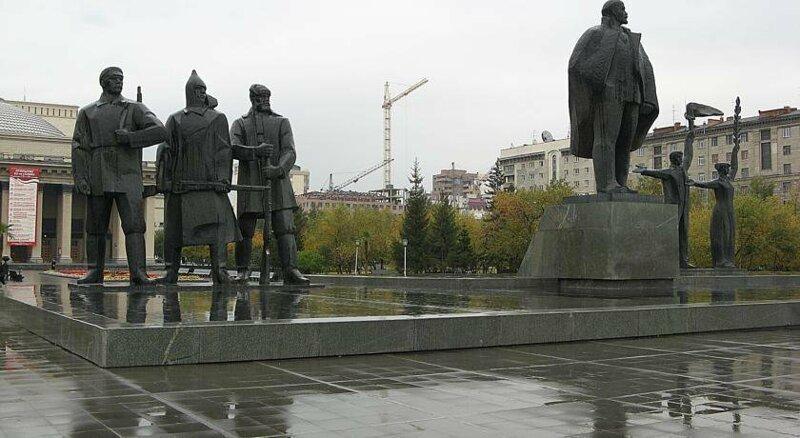 Скульптуры, украшающие Новосибирск