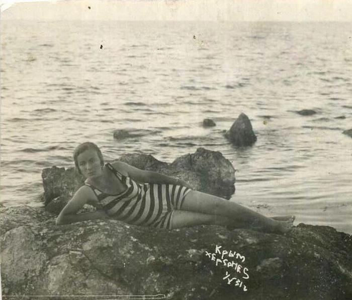 Российская пляжная мода и этикет: Как отдыхали у моря наши бабушки и прабабушки