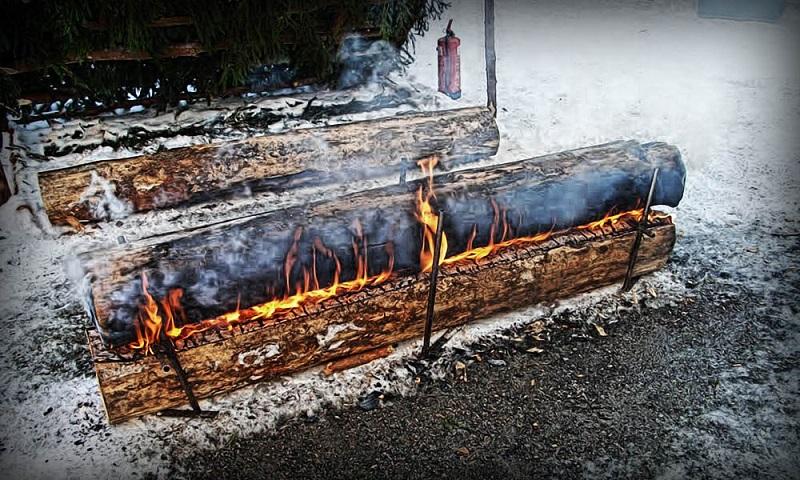 как разжечь костер из палок