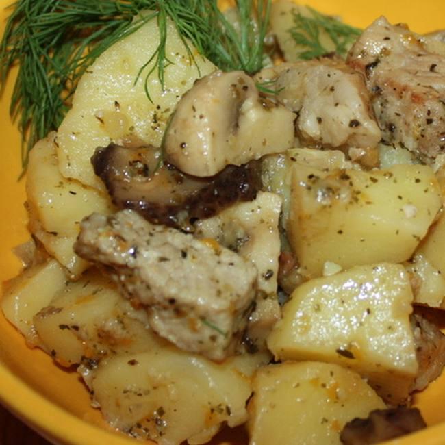 Жаркое с мясом и грибами в м…