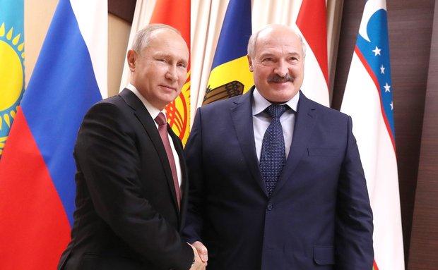 «Россия, дай денег»: зачем Белоруссия залезает в долги