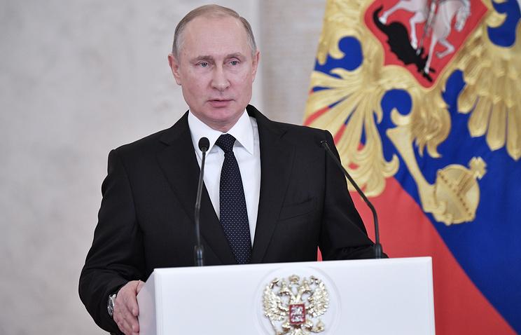 Путин назвал терактом взрыв в Петербурге