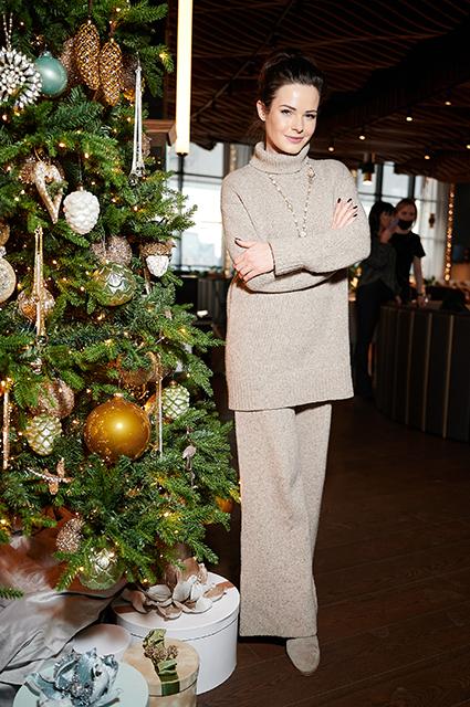 Ани Лорак, Елена Летучая, Ирина Безрукова и другие звезды на рождественском ужине Светская жизнь
