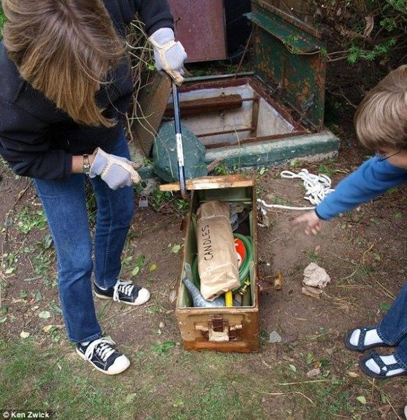 Американская семья обнаружила в своем огороде тайный бункер