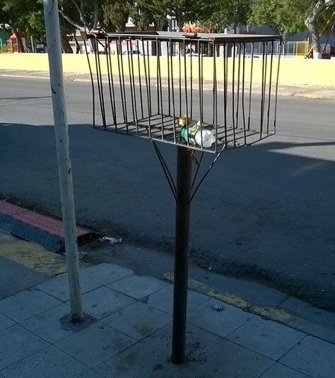 Высокие корзины в Южной Америке якобы не позволяют диким животным добираться до мусора страны, факты, это интересно