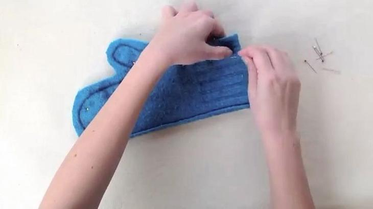 Восхитительная вещь из куска старого свитера одежда
