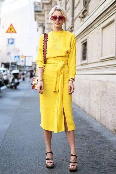 Яркое и стильное платье-карандаш