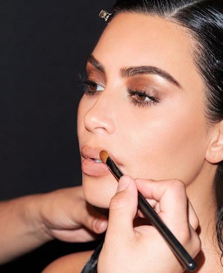 Ким Кардашьян стала долларовой миллиардершей Кардашьян, долларов, компании, Cosmetics, Kylie, Дженнер, образом, миллионов, стоимость, акций, общая, сделку, всему, позволит, BeautyКим, макияжKKW, Beauty, влияние, связываться, способностью