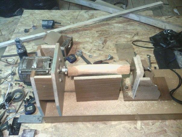 Мини токарный станок по дереву. Двигатель от старой советской стиралки