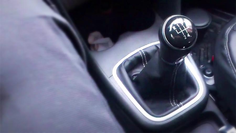 Беспедальное существование: российские водители не хотят выжимать авто и мото,новости автомира