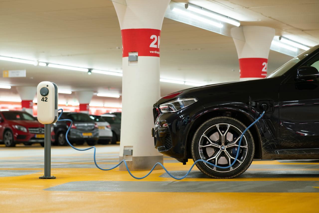 Нефтяная игла: спасут ли мир электромобили?