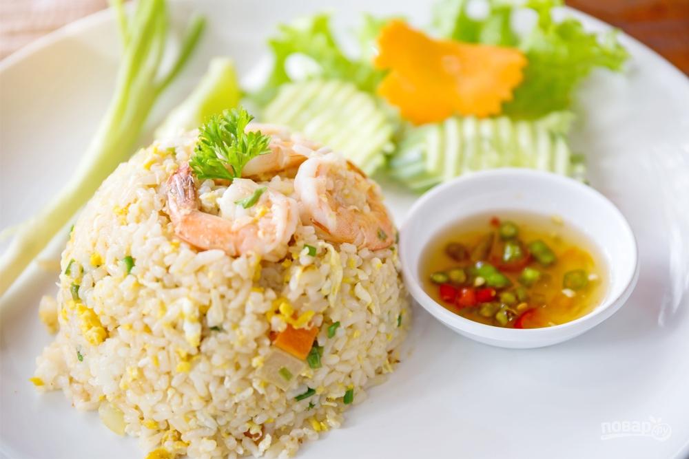 Рис с яйцом и креветками