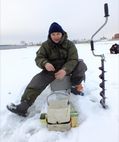 Чем прикармливать рыбу зимой?