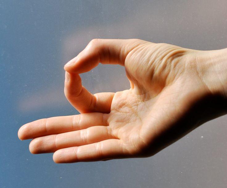 Картинки по запросу hand mudra for anxiety