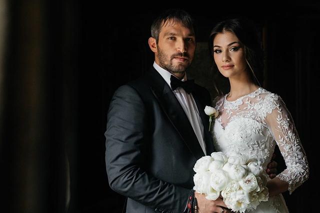 """Анастасия Шубская поздравила Александра Овечкина с третьей годовщиной свадьбы: """"Важнее семьи нет ничего в жизни"""""""