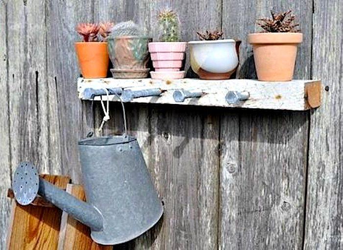Идеи хранения вещей на даче