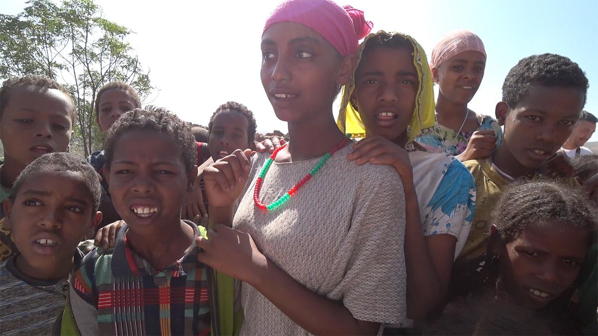 За что могут закидать камнями в африканской деревне
