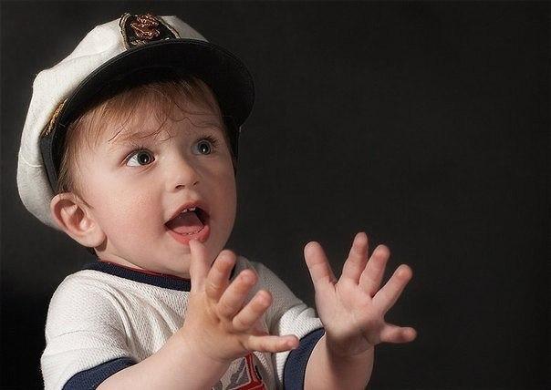 Как определить, какая рука ведущая у твоего ребенка: