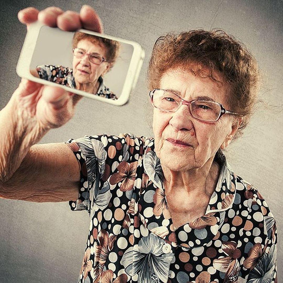 Стильная старушка из Магнитогорска стала звездой интернета