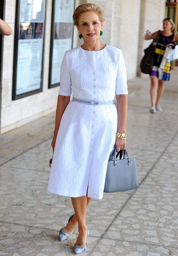 Не бойтесь белого, летом это самый актуальный цвет. 10 образов для женщин 50+